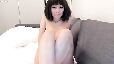 Pretty japanese chick in tit masturbate